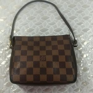 Auth Louis Vuitton  Damier Truth Pouch Ebene Bag